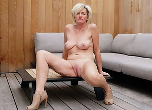 More sexy matures