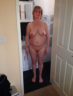 Amateur Mature Sexy Wives 54.5