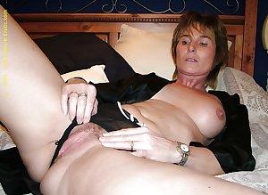 sexy mature ladies 112