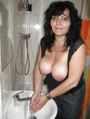 sexy mature ladies 112