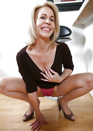 hotlegs-mature legs and mor