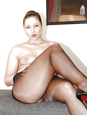Robust Broads with Great Legs- Vol 2