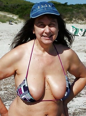 Matures moms aunts and wives 103