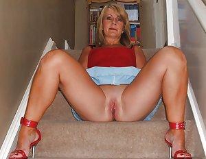 Hot mature Lady
