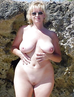 Sexy Mature Milfs Naked Outdoors 3