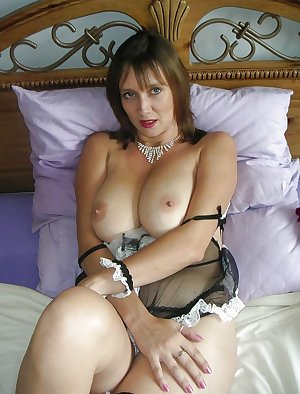 Mature Sexy Swinger Wife
