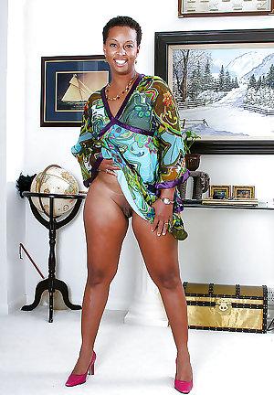 ALL KINDS OF BLACK MATURE WOMEN PT.8