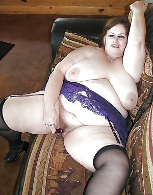 Mature BBWs in stockings 25 (part 1)