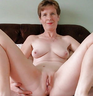 Mature Amateurs Spreading 8