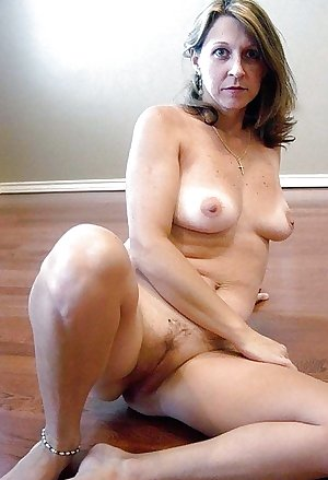 Matures moms aunts wives and gfs 245