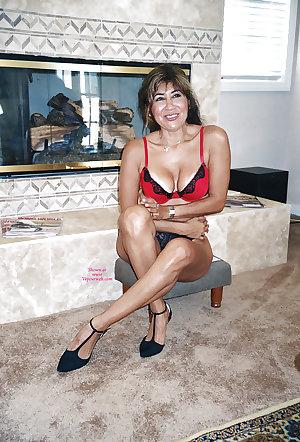 Only the best amateur mature ladies.45