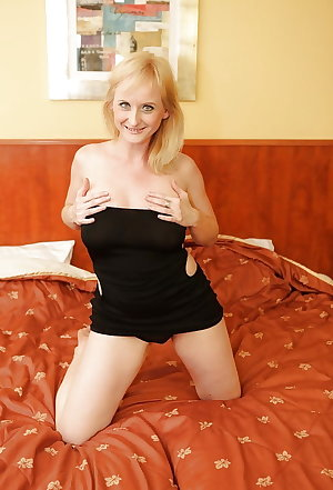 Sexy Busty Mature Milf  Imogen, Bedroom Tease