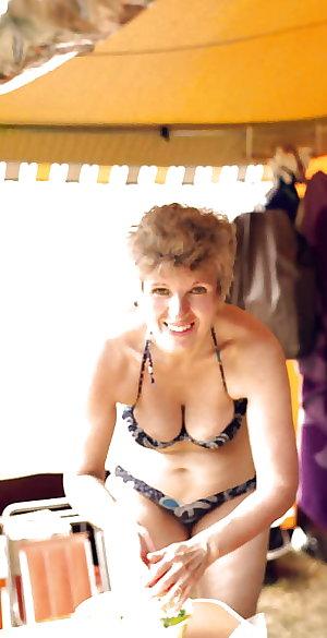 Mature amateur ladies 8-pix mix.