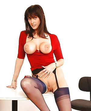 MILFs - matures - cougars (CONTINIOUSLY UPDATING)
