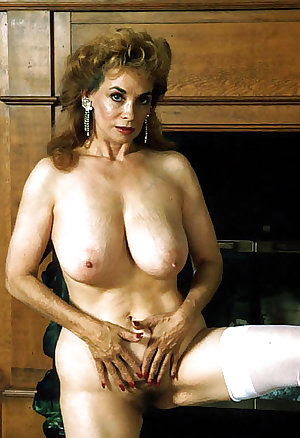 Lorali Hart Hot Mature