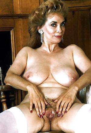 Lorali Hart Hot Mature
