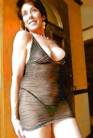 Amateur mature-stunning brunette part 3..